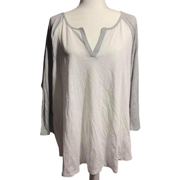 3/$25 Torrid Baseball style Tee Shirt sz 2 18 20